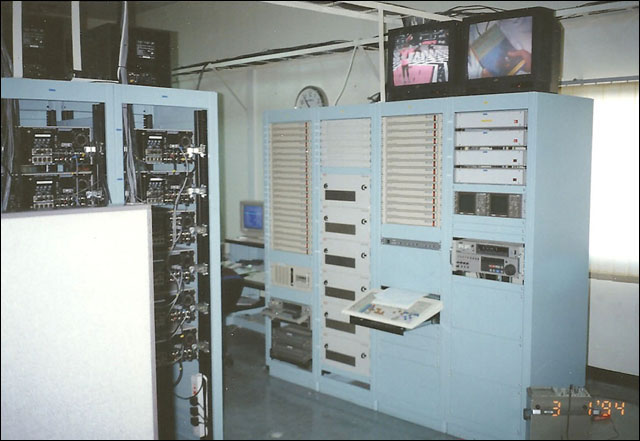 dead-head_Monte-qatar03_1994_QCV_automation_MTV_channel.jpg